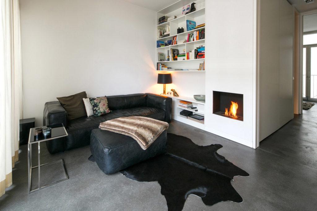 Interieur von Wohnzimmer in einem Loft in Berlin
