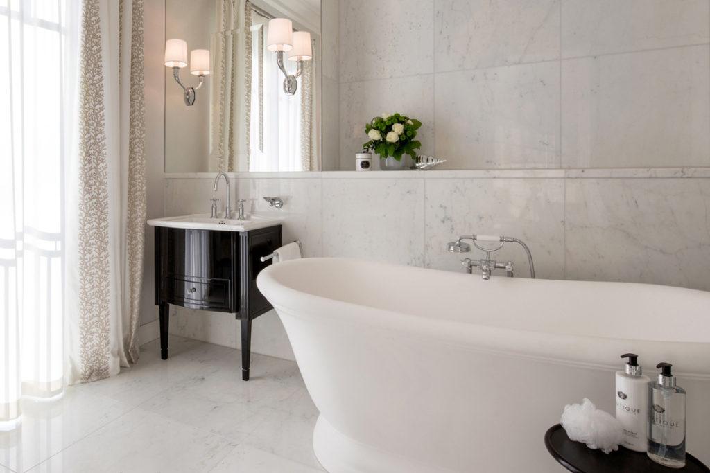 Interieur Foto von freistehender Badewanne