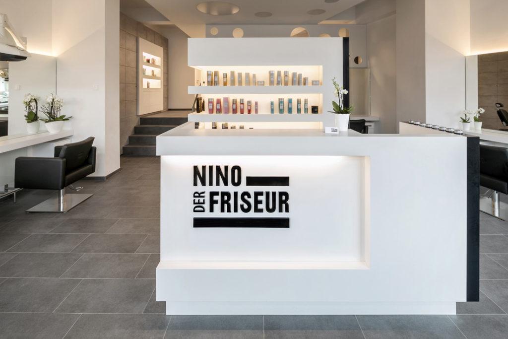 Fotografin fuer Interieur Fotografie dokumentiert Friseur Salon