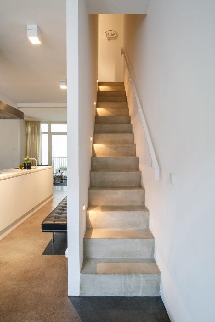 Interieurfotografie einer modernen Betontreppe