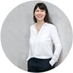 Profilfoto vor grauer Wand